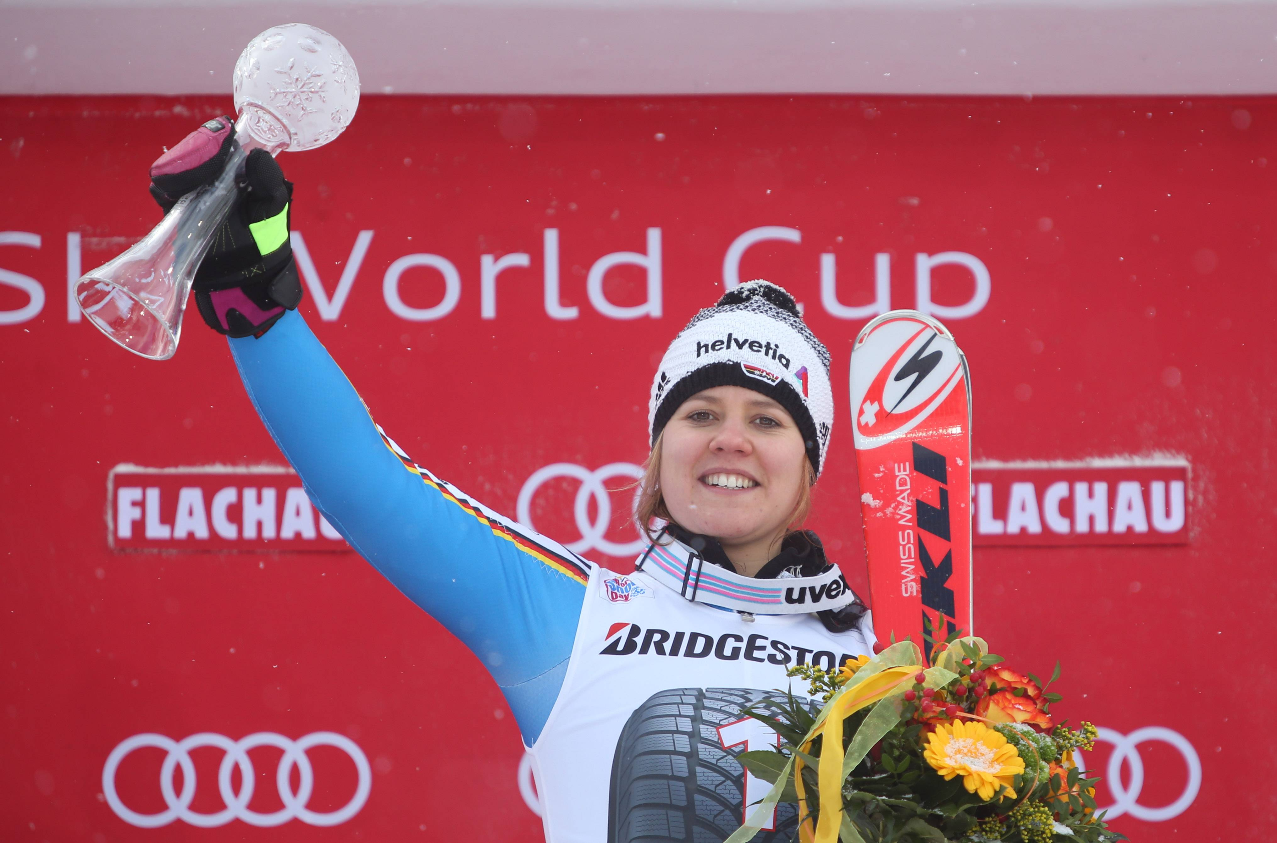 Themen Der Woche - Sport Bilder Des Tages - SPORT ALPINE SKIING - FIS WC Flachau FLACHAU,AUSTRIA,17.JAN.16 - ALPINE SKIING - FIS World Cup, Giant Slalom, Ladies, Award Ceremony. Image Shows Viktoria Rebensburg (GER). Keywords: Stoeckli, Trophy. PUBLICATIONxINxGERxHUNxONLY GEPAxpictures/xAndreasxPranter  Topics The Week Sports Images The Day Sports Alpine Skiing FIS WC Flachau Flachau Austria 17 Jan 16 Alpine Skiing FIS World Cup Giant Slalom Ladies Award Ceremony Image Shows Viktoria Vine Castle Ger Keywords Stoeckli Trophy PUBLICATIONxINxGERxHUNxONLY GEPAxpictures XAndreasxPranter